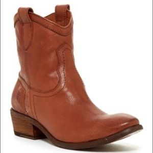 Frye Carson Short Boot Size 9.5